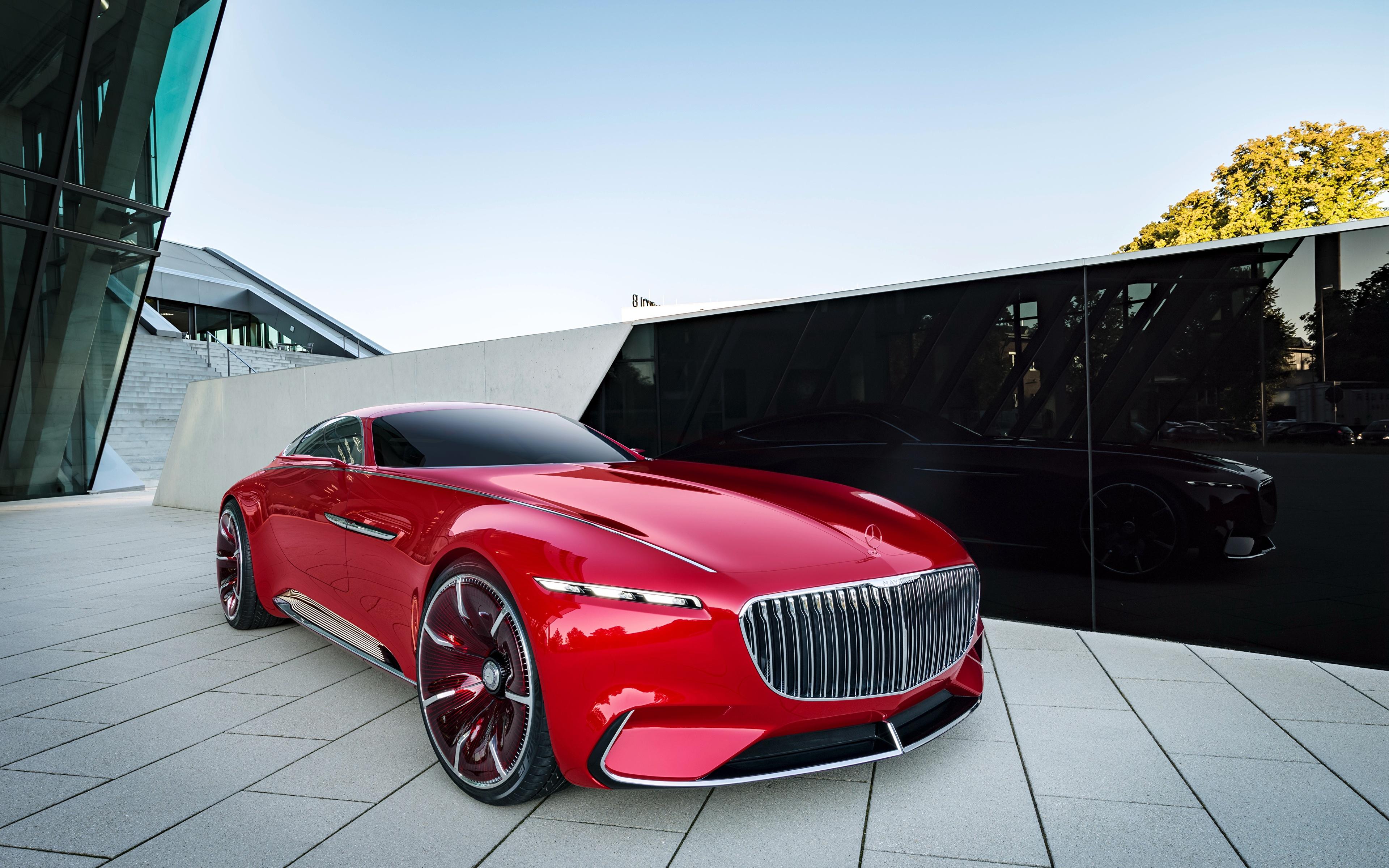 концепт автомобиля мерседеса красного
