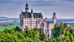 Обои Замки Нойшванштайн Германия город
