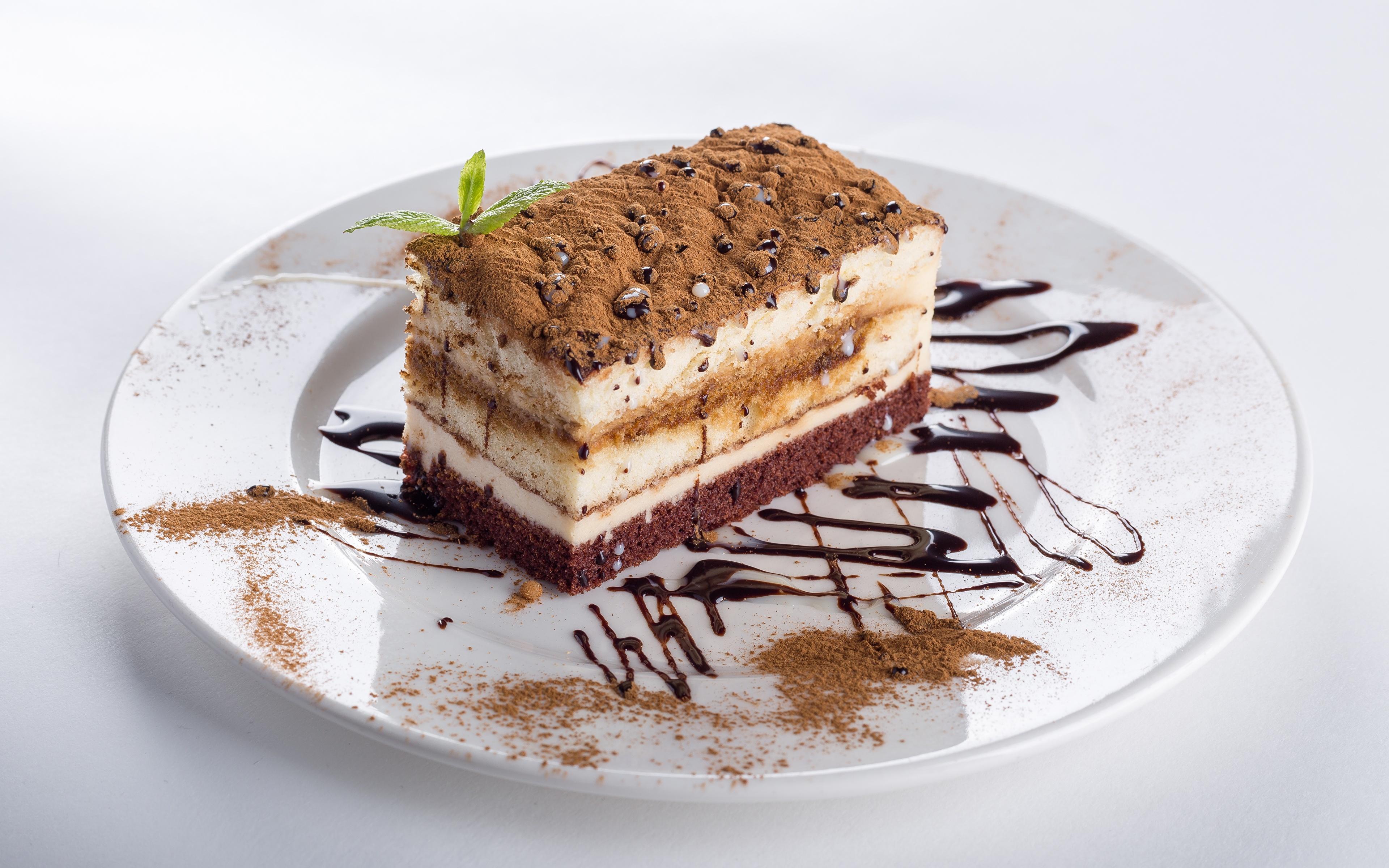 Фотографии Торты Какао порошок кусочек Еда Тарелка 3840x2400 часть Кусок кусочки Пища тарелке Продукты питания