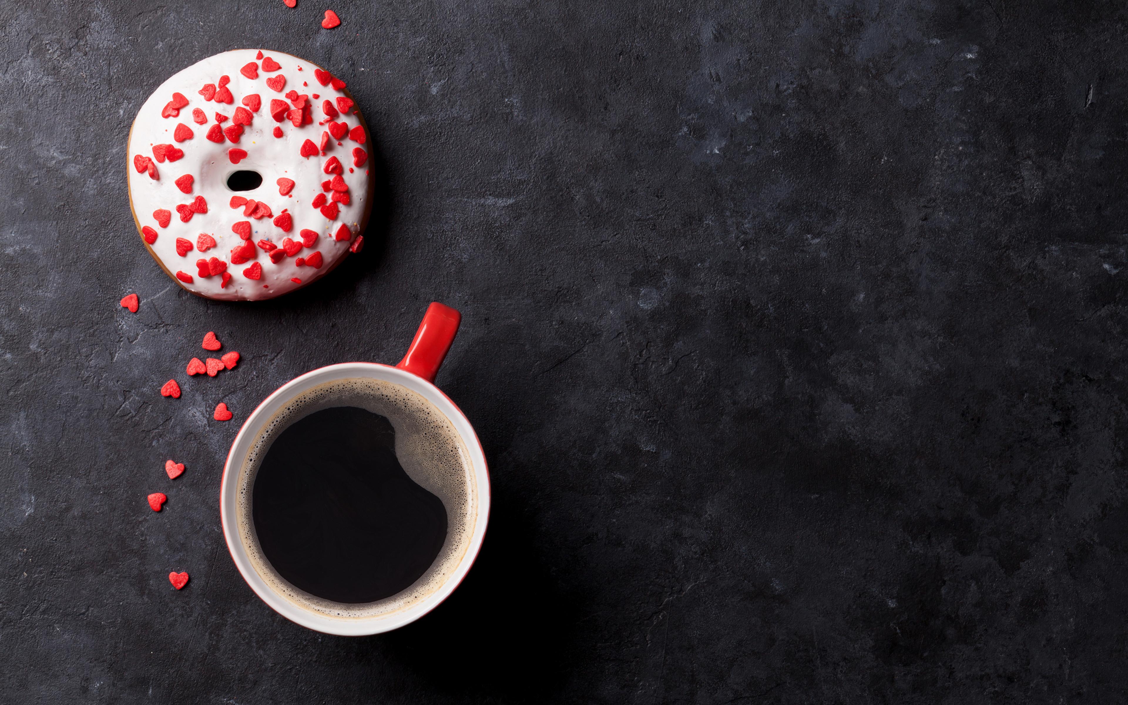 Обои для рабочего стола сердца Кофе Пончики Еда Чашка сладкая еда 3840x2400 серце Сердце сердечко Пища чашке Продукты питания Сладости
