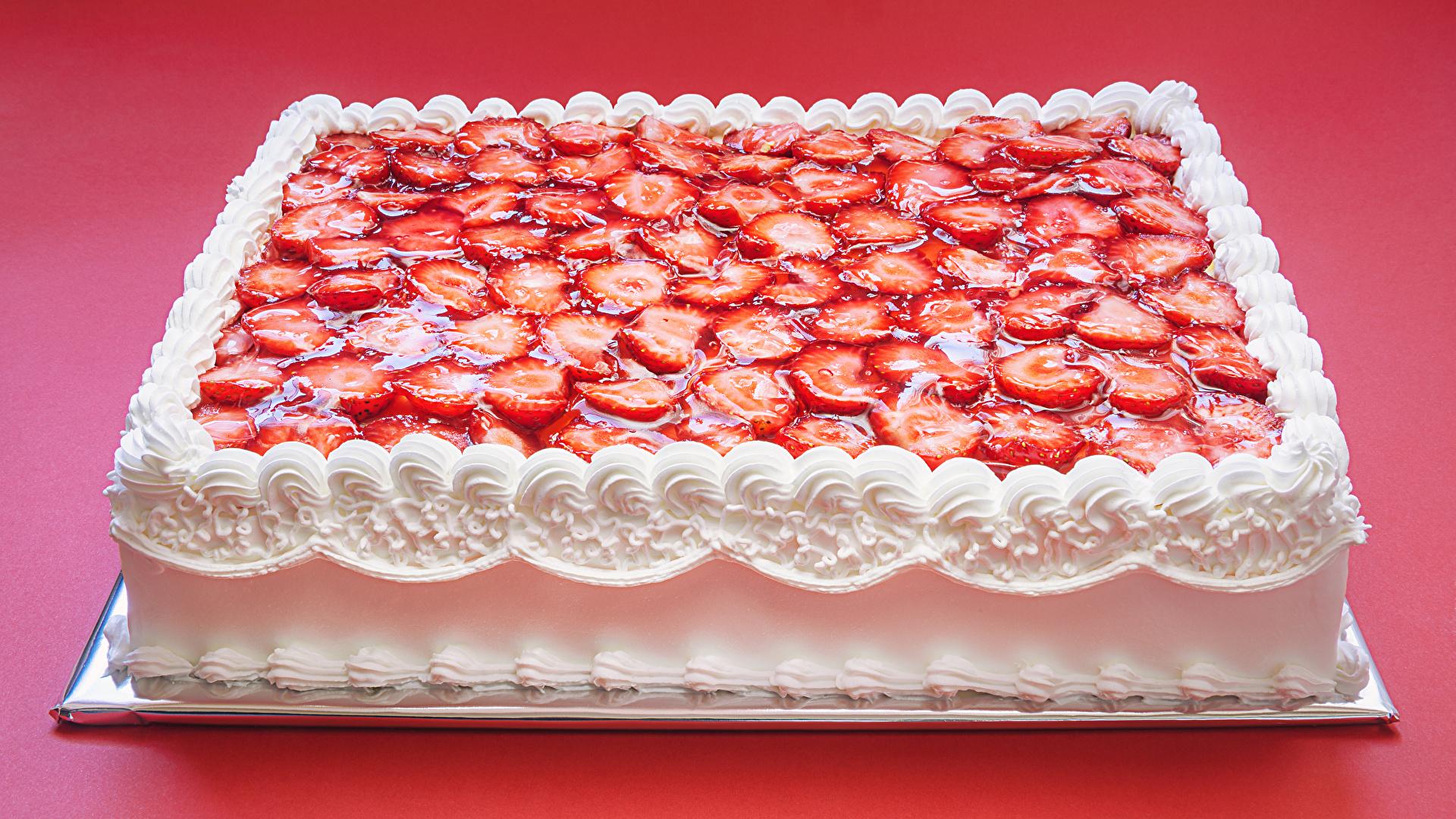 Фото Торты Клубника Продукты питания Красный фон сладкая еда Дизайн 1920x1080 Еда Пища Сладости красном фоне дизайна