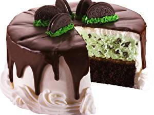 Картинка Торты Шоколад Белым фоном Пища