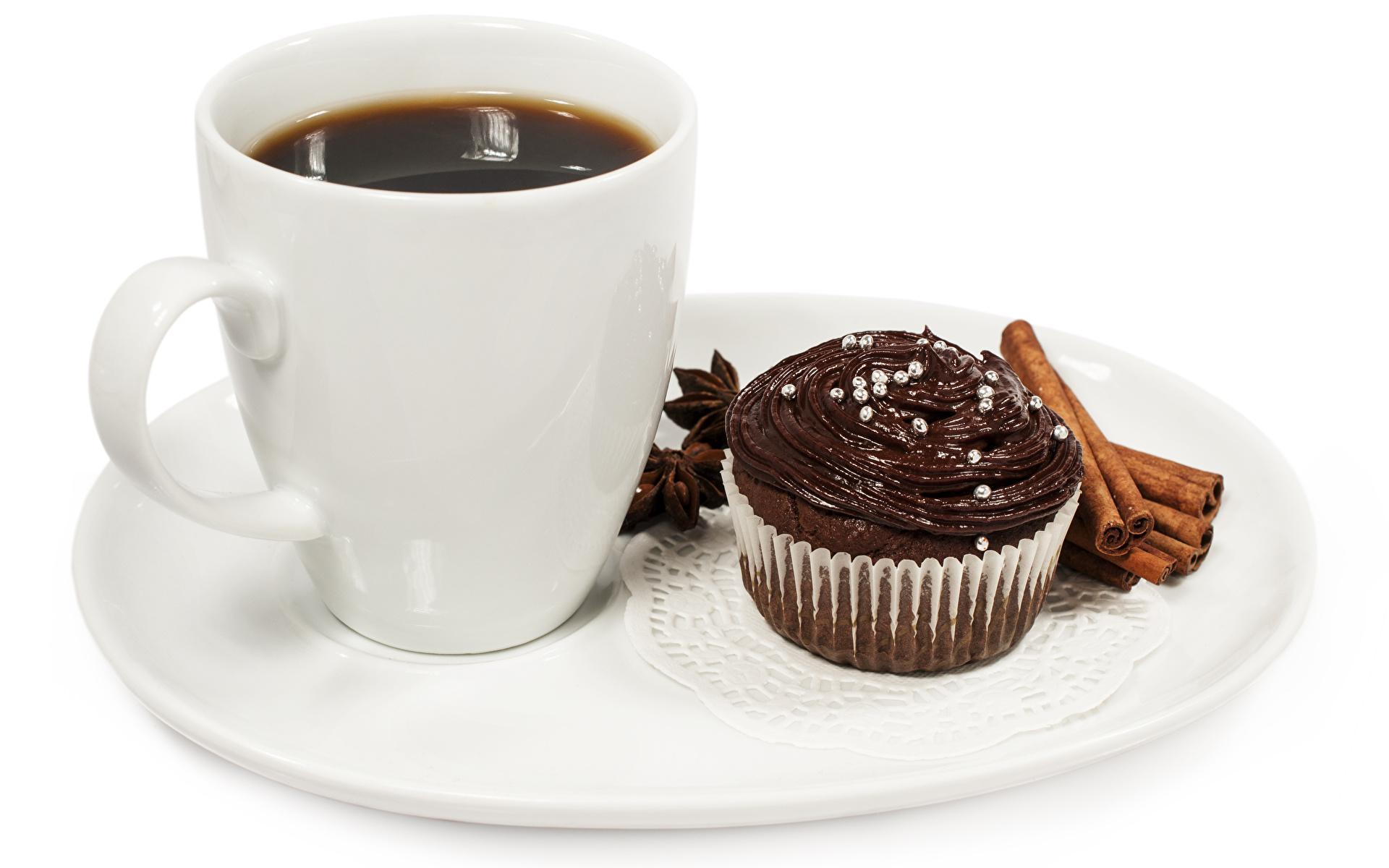 Обои Шоколад Кофе Корица Еда Чашка Тарелка Пирожное Белый фон 1920x1200 Пища чашке тарелке Продукты питания