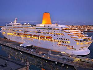 Фотографии Корабль Круизный лайнер Пристань Oriana