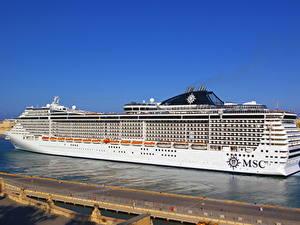Фотография Корабль Круизный лайнер Пирсы MSC Fantasia