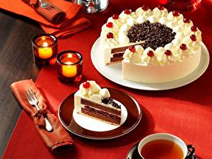 Обои Торты Шоколад Свечи Сладости Тарелка Продукты питания
