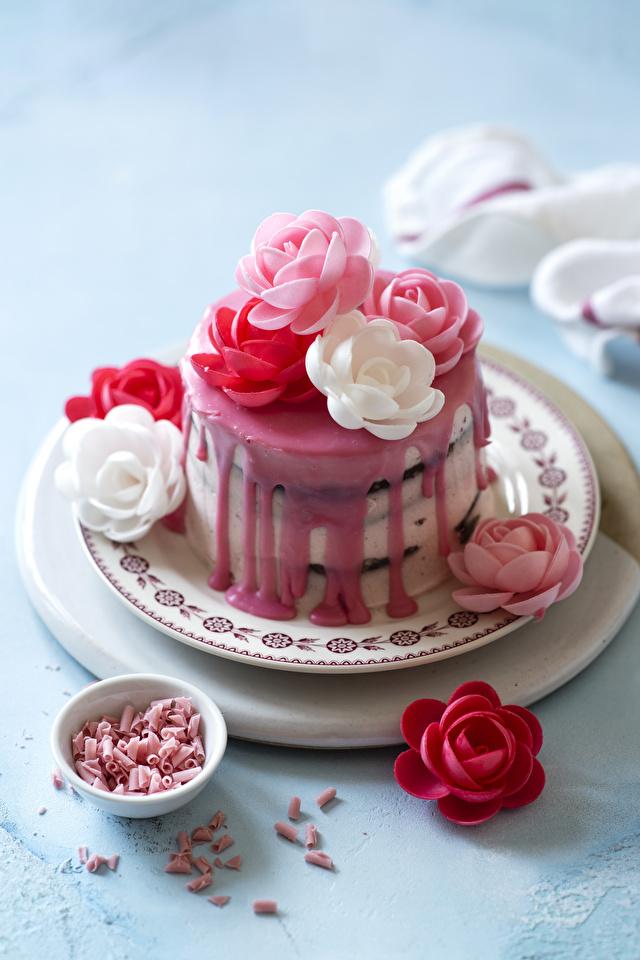 Фотография роза Торты Пища Тарелка Сладости Дизайн 640x960 для мобильного телефона Розы Еда тарелке Продукты питания сладкая еда дизайна