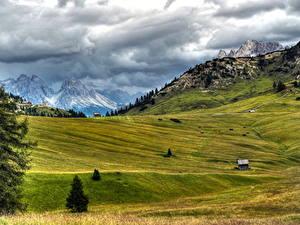 Обои Горы Италия Луга Пейзаж Альп Облачно Природа