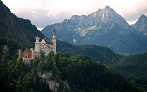 Картинка Горы Германия Замки Нойшванштайн Бавария Природа
