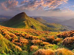 Картинки Сезон года Осенние Пейзаж Гора Небо Трава Облачно Природа