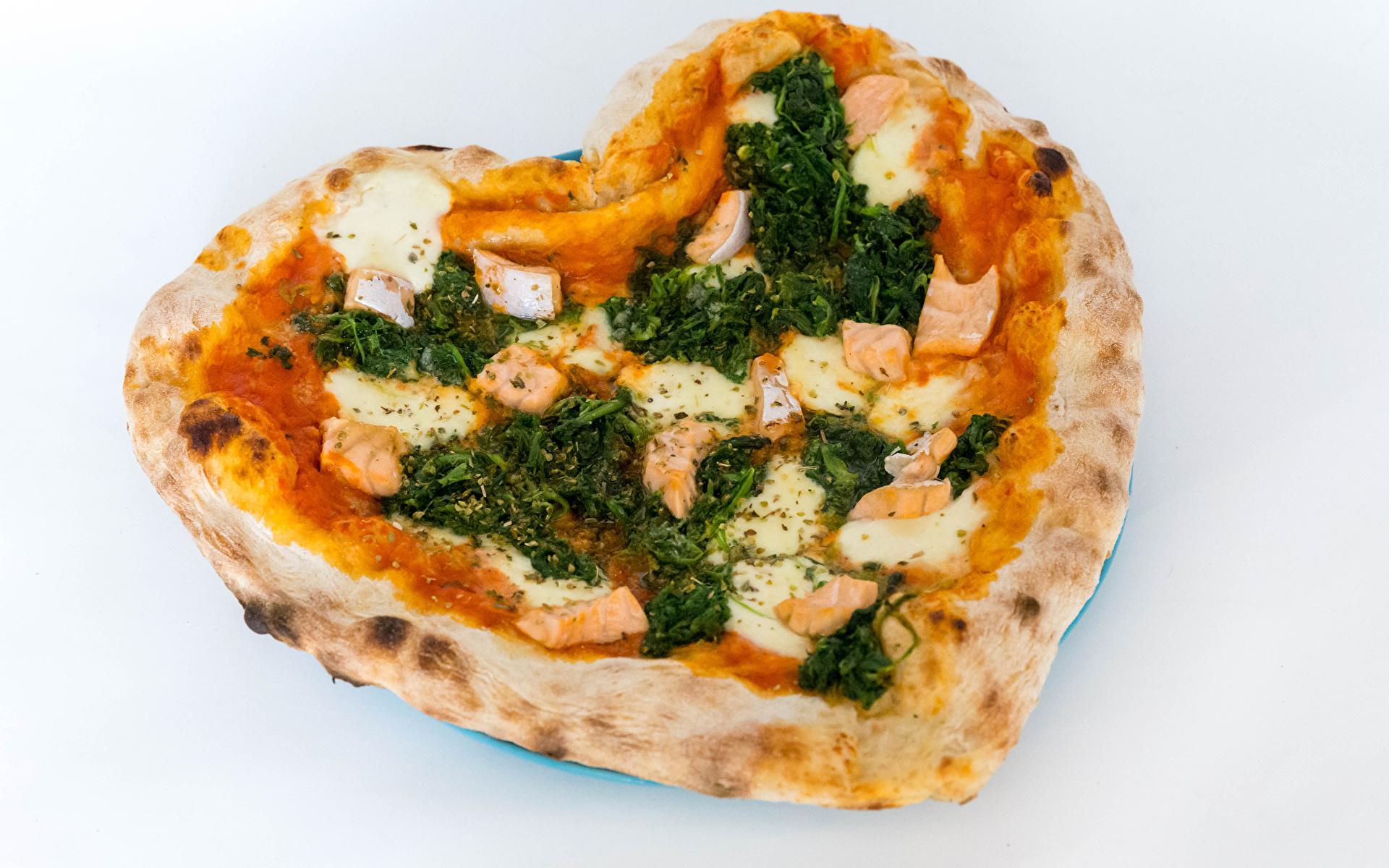 Картинки Сердце Пицца Быстрое питание Пища Серый фон 1920x1200 серце сердца сердечко Фастфуд Еда Продукты питания сером фоне