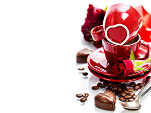 Обои Сладости Конфеты Кофе Розы Зерна Чашке Сердечко Пища