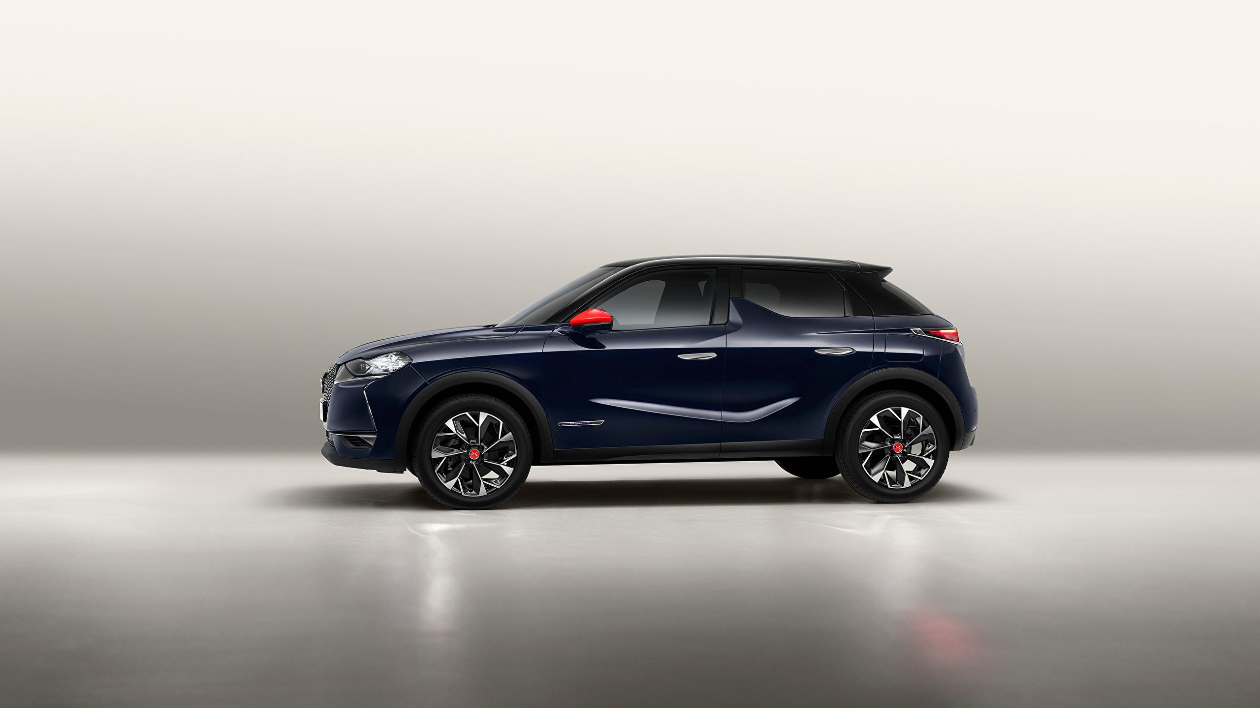 Картинка Французский Кроссовер DS 3 Crossback, 2020 Синий авто Сбоку Металлик 2560x1440 французские французская CUV синяя синие синих машина машины Автомобили автомобиль