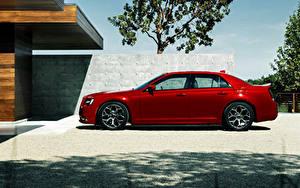 Картинки Chrysler Красный Роскошная Сбоку Металлик 2015 300 S