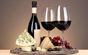Фото Напитки Вино Сыры Виноград Бокалы Бутылки Пища