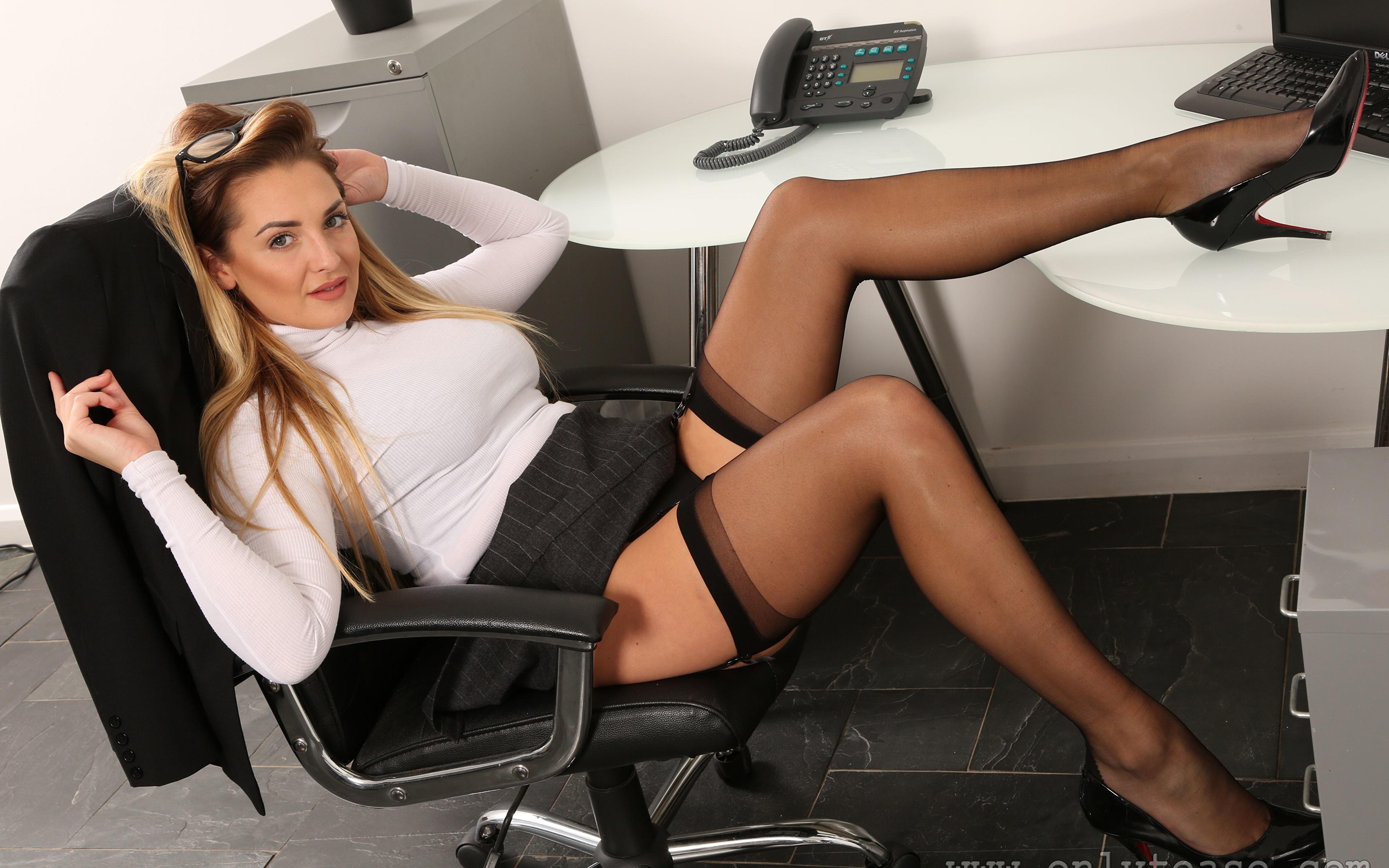 Русский секс с русской секретаршей онлайн, Порно видео онлайн: РусскоеСекретарша 10 фотография
