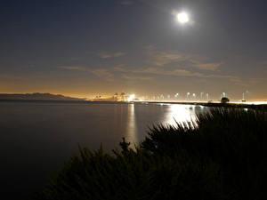 Фотография Небо Мост Озеро Ночь Луна Природа