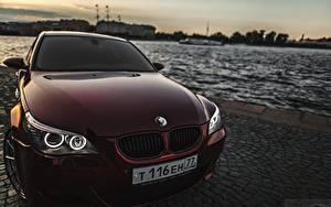 Фотографии БМВ Спереди Темно красный Фар m5 автомобиль