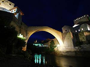 Фото Босния и Герцеговина Реки Мосты Уличные фонари Ночные Old Bridge Mostar Города