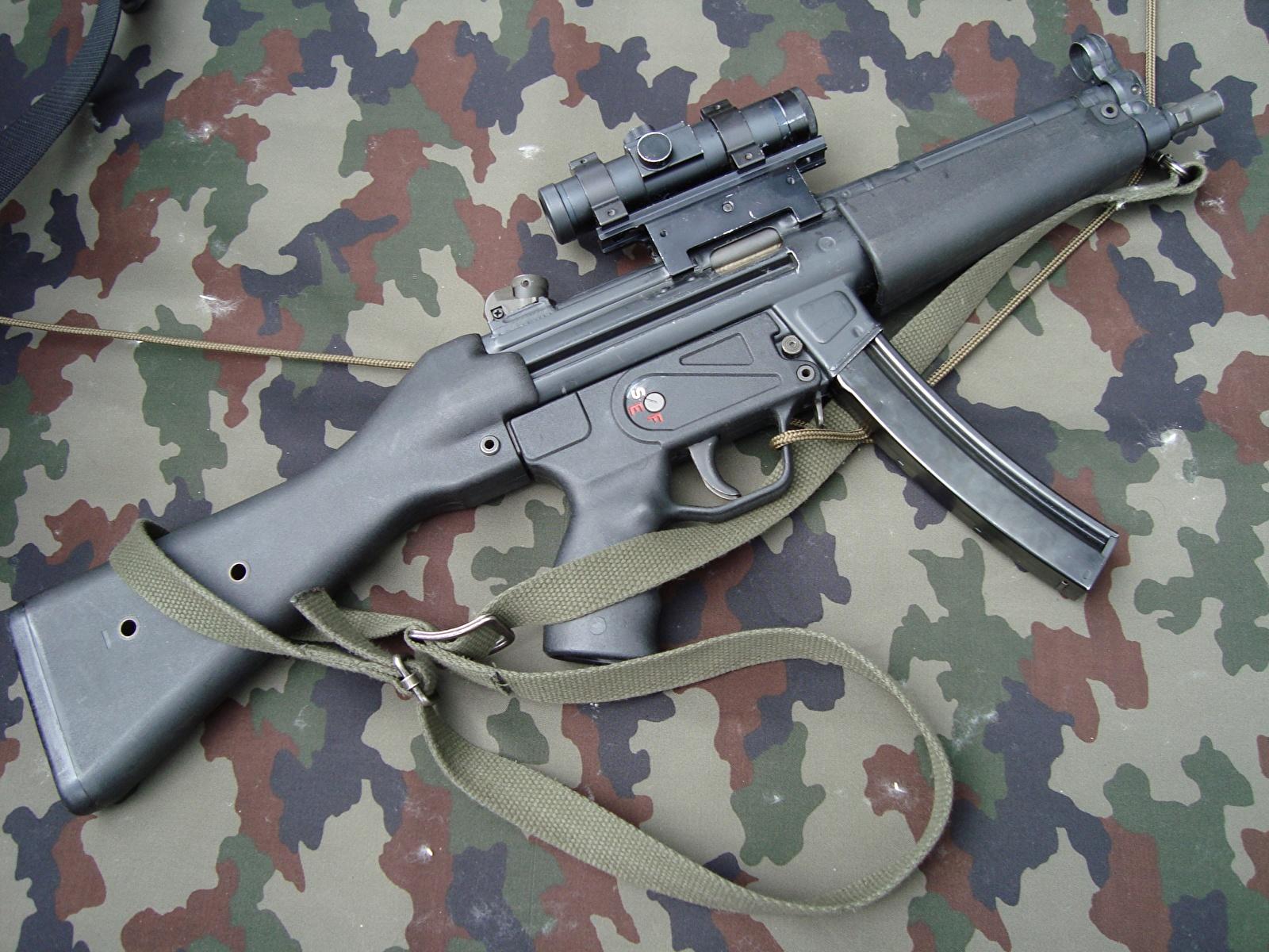 Картинка Автоматы Армия 1600x1200 автомат автоматом военные