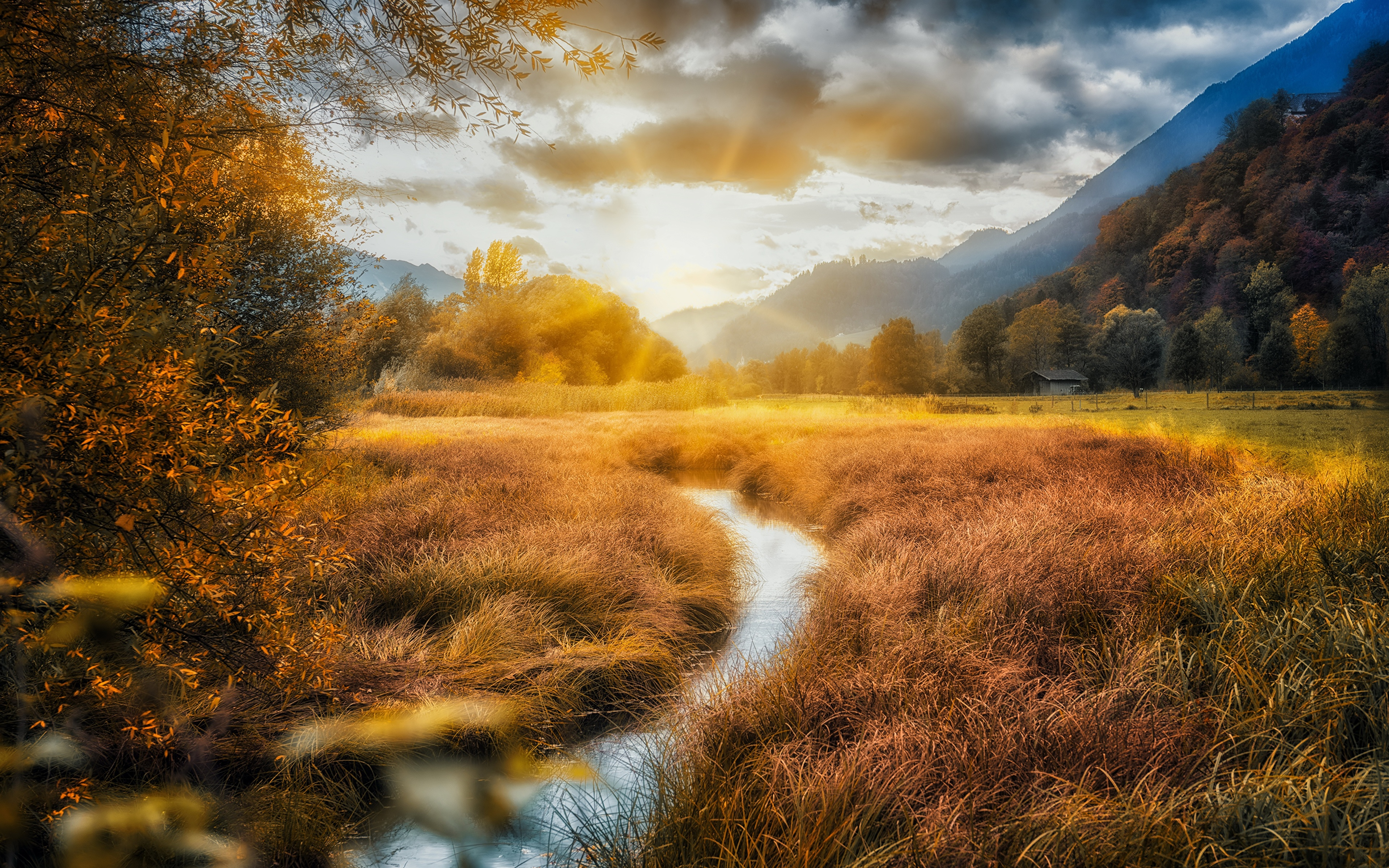 Фото Горы Природа осенние Поля река облачно 3840x2400 гора Осень Реки речка облако Облака