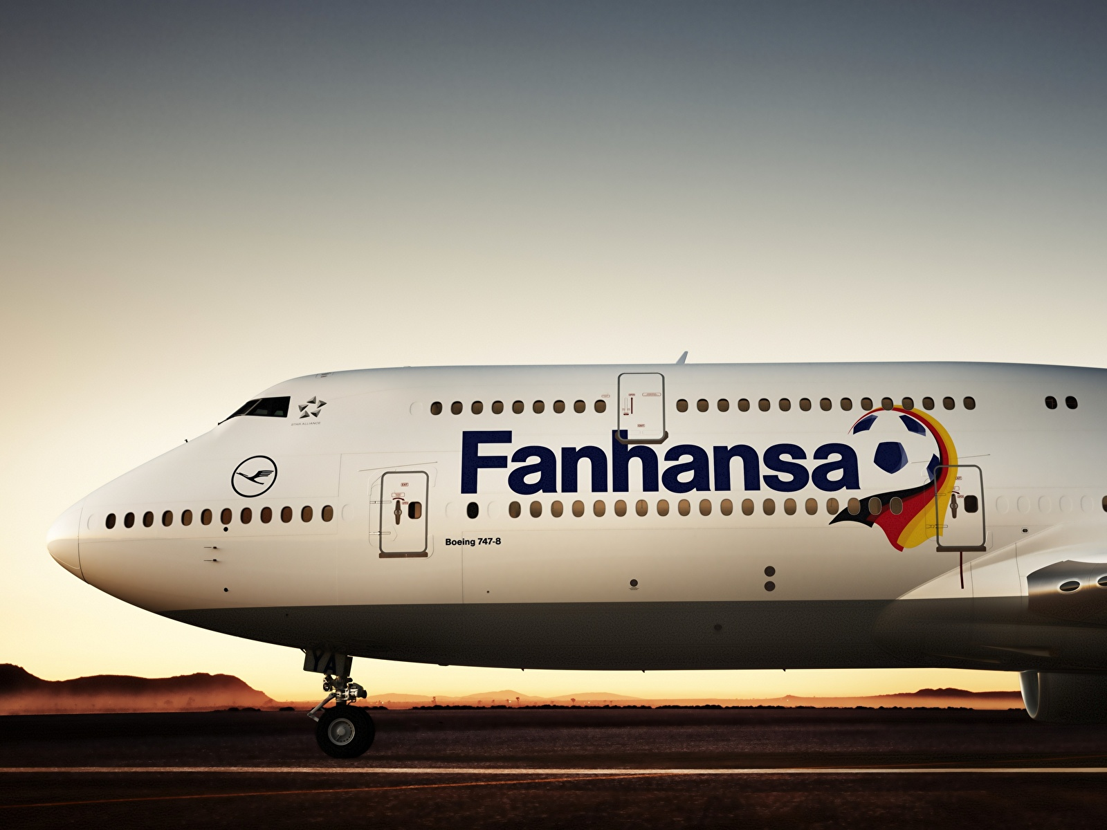 авиация самолет Boeing 747 Lufthansa небо бесплатно