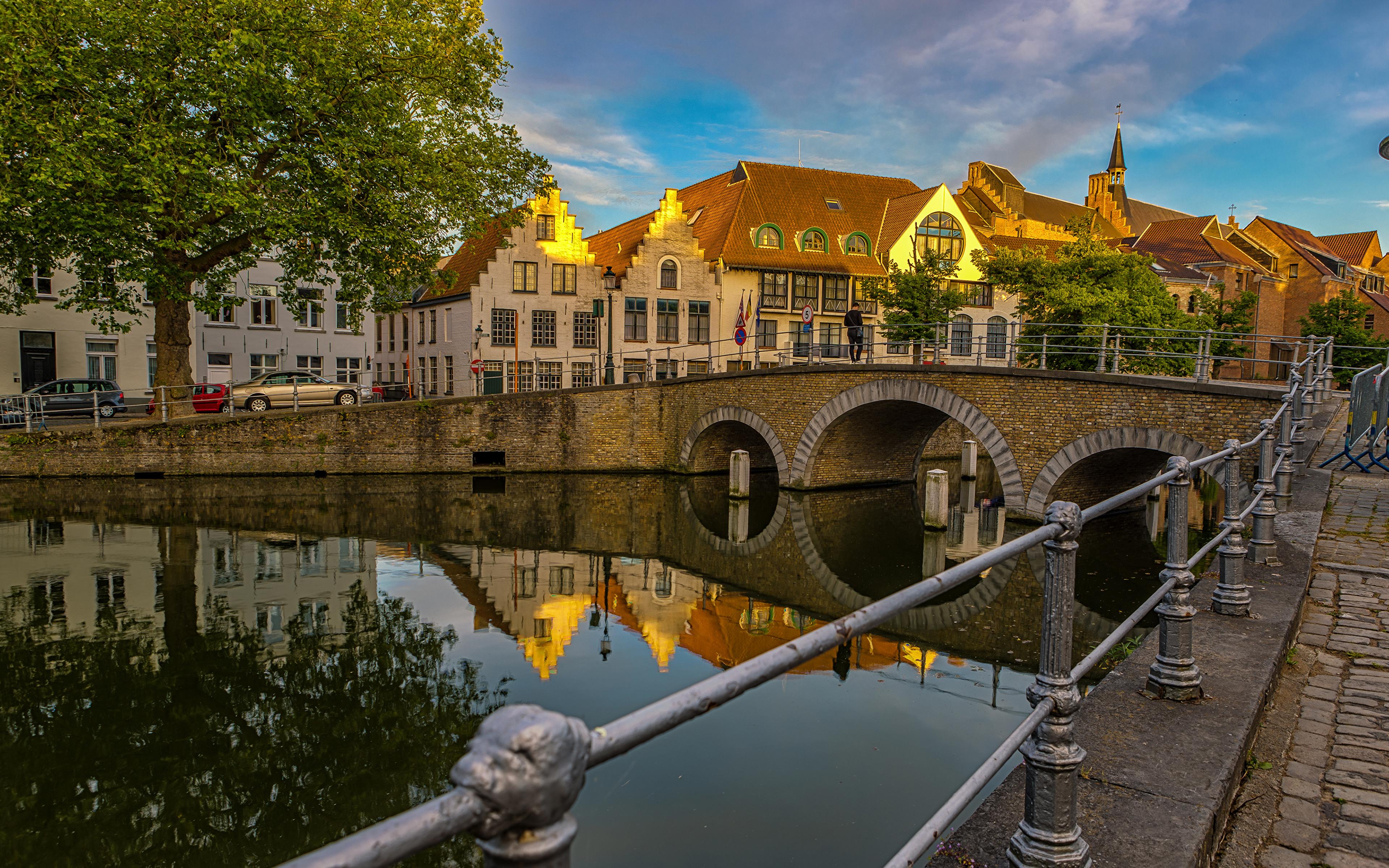 Фото Бельгия Brugge Мосты Водный канал ограда Дома Города 3840x2400 Забор Здания