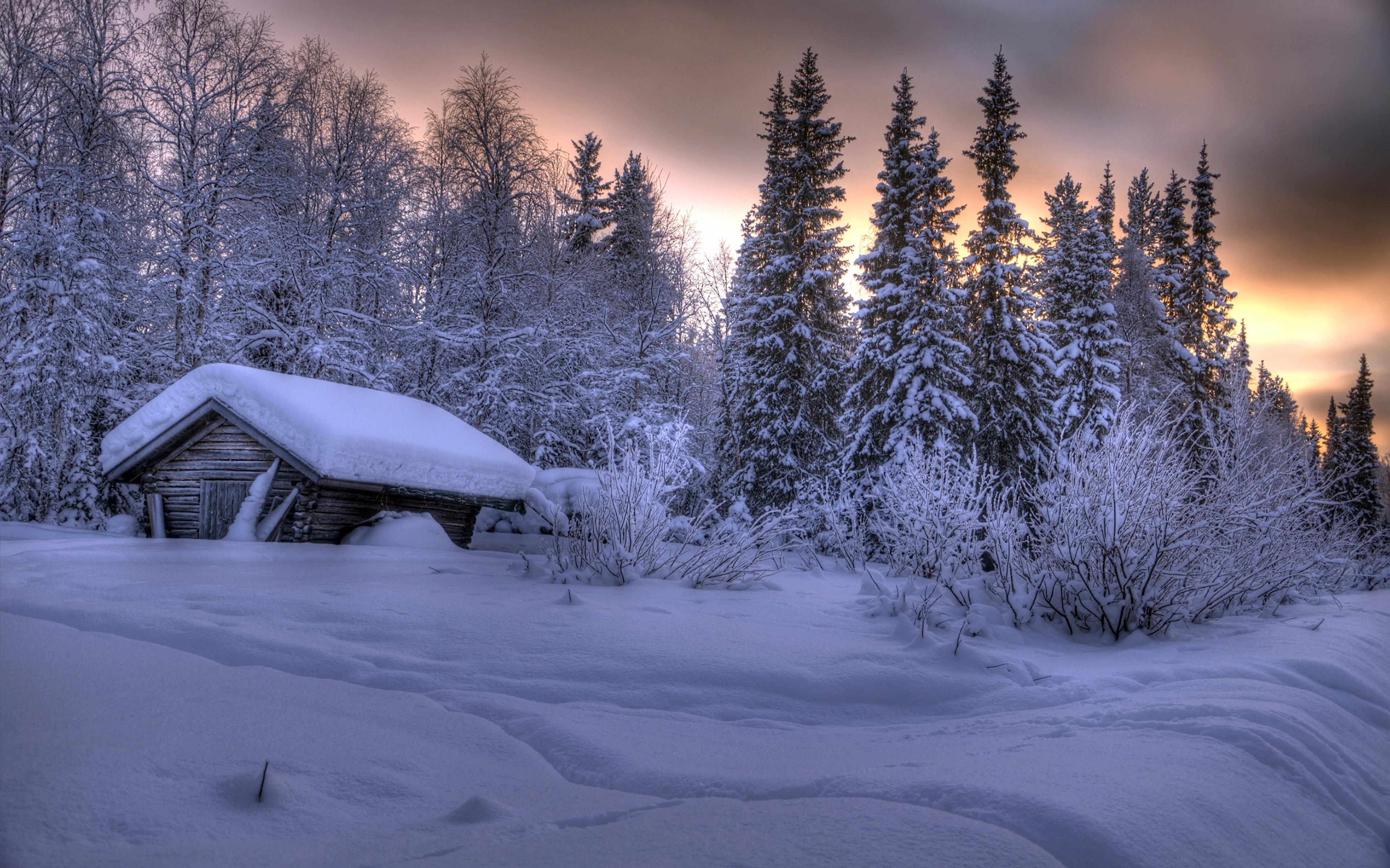 Заснеженный Финский домик без смс