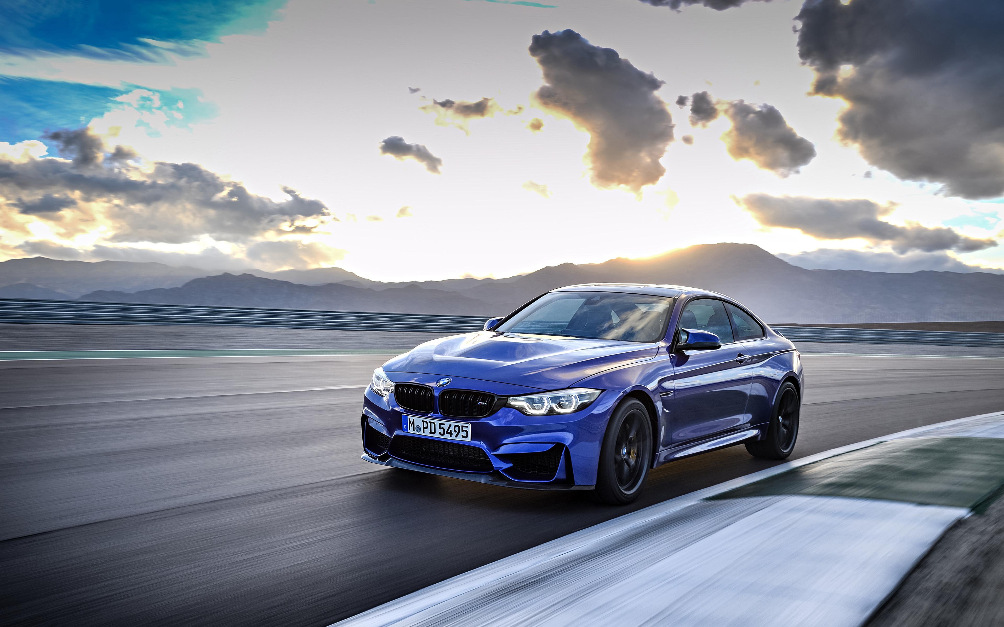 Картинки БМВ 2017 M4 CS Worldwide синие едущий Металлик Автомобили 3840x2400 BMW синих Синий синяя едет едущая скорость Движение авто машина машины автомобиль