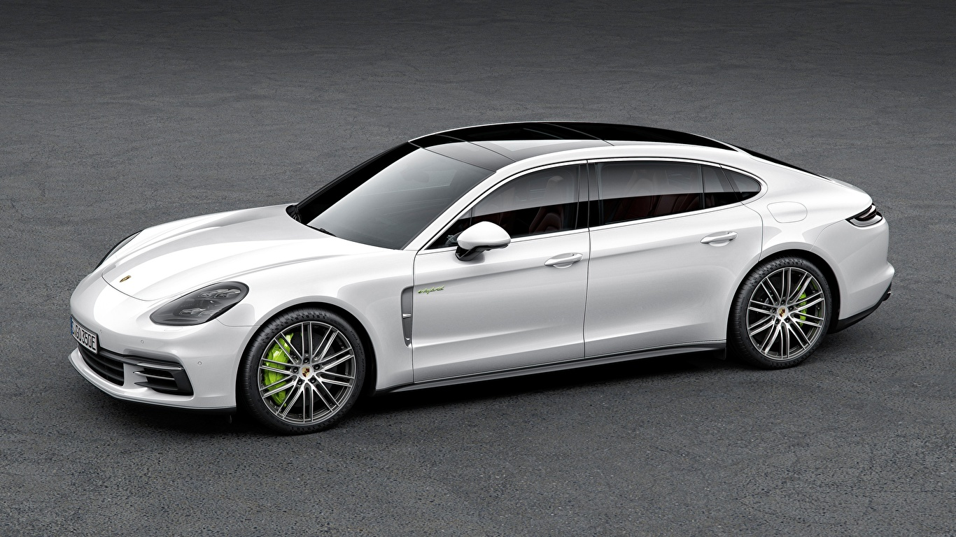 Обои для рабочего стола Порше Panamera 4, E-Hybrid Executive, 2016, Liftback Белый Сбоку автомобиль 1366x768 Porsche белая белые белых авто машины машина Автомобили
