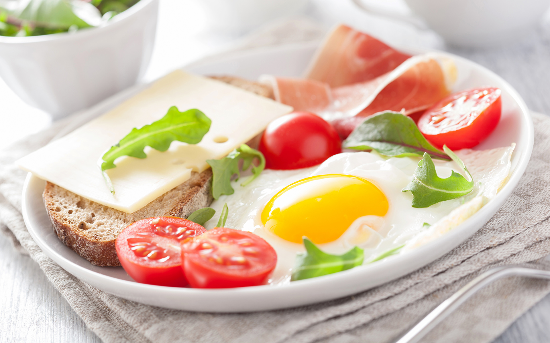 Фотография яйцо Помидоры Хлеб Сыры Еда 1920x1200 яиц Яйца яйцами Томаты Пища Продукты питания