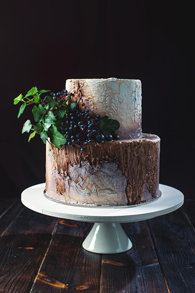 Картинка Торты Пища Ягоды Сладости дизайна 640x960 для мобильного телефона Еда Продукты питания сладкая еда Дизайн