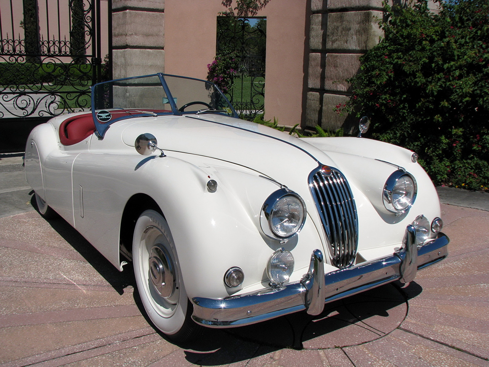 Обои Jaguar 1957 XK 140 Roadster Родстер машина 1600x1200 Ягуар авто машины автомобиль Автомобили