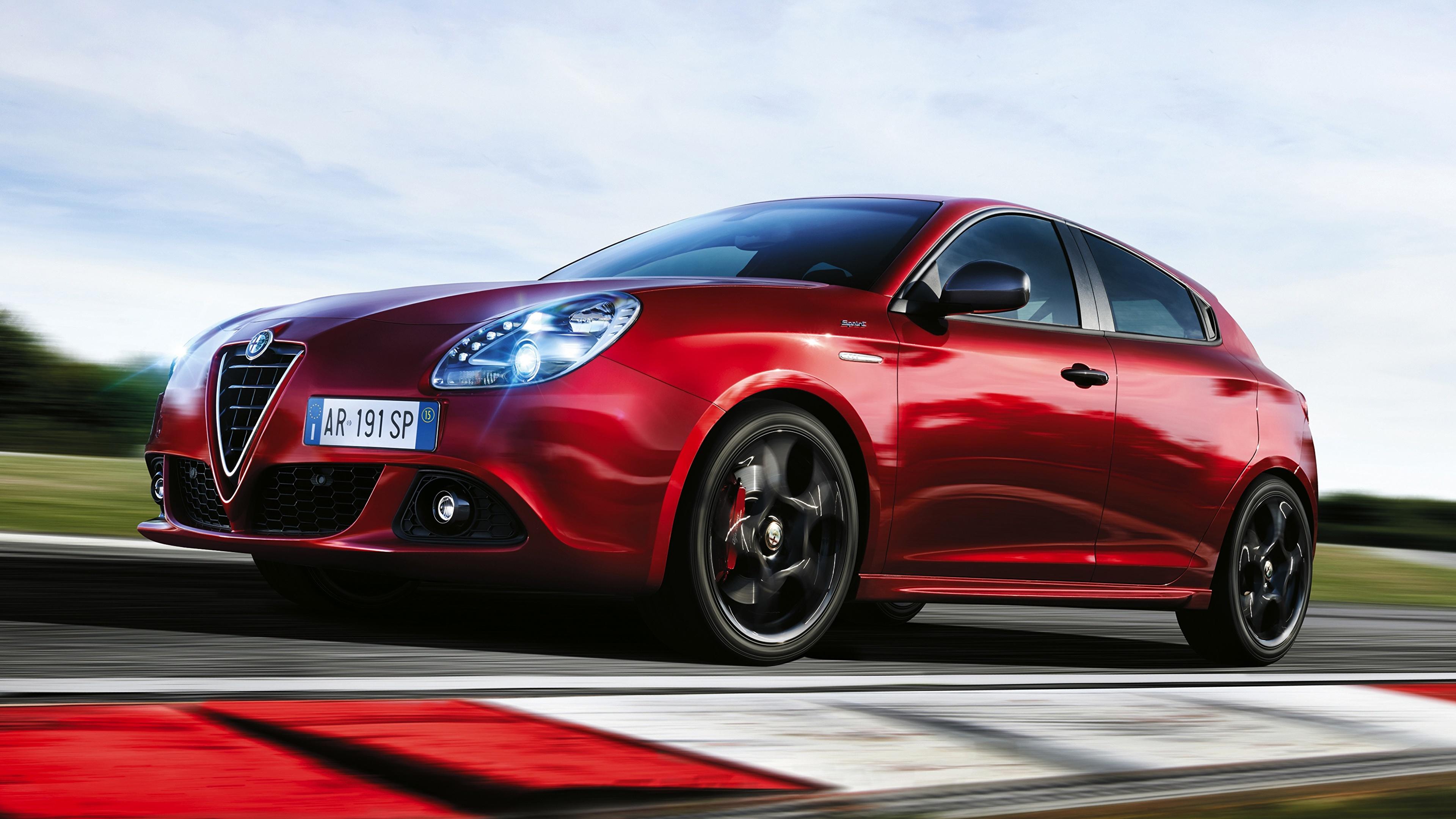 Фотография Alfa Romeo Размытый фон красных скорость авто 3840x2160 Альфа ромео боке красная красные Красный едет едущий едущая Движение машина машины Автомобили автомобиль