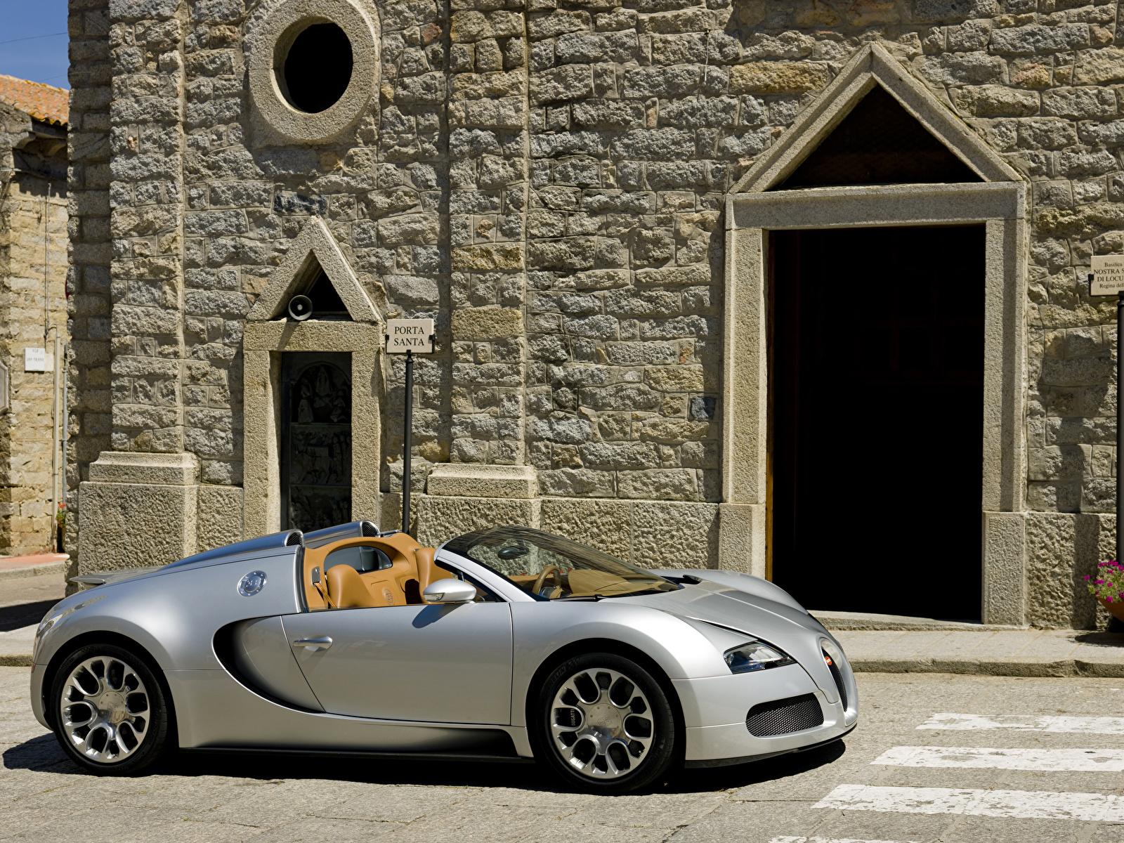 Обои для рабочего стола BUGATTI 2009 Veyron 16.4 Grand Sport Родстер серебряный автомобиль 1600x1200 серебряная серебристая Серебристый авто машина машины Автомобили