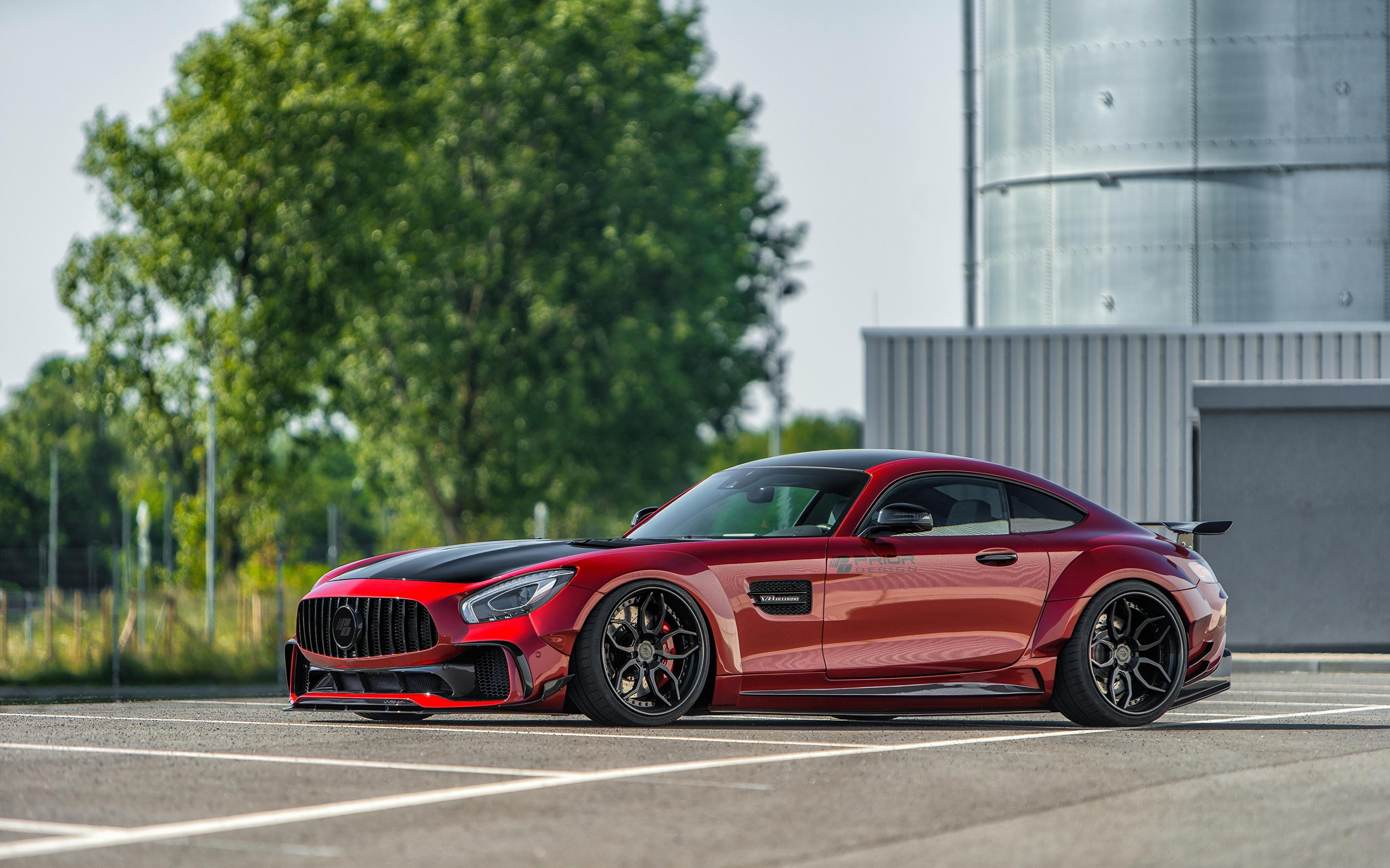 Фотографии Мерседес бенц AMG GT красных Сбоку машины Металлик 3840x2400 Mercedes-Benz красная красные Красный авто машина Автомобили автомобиль