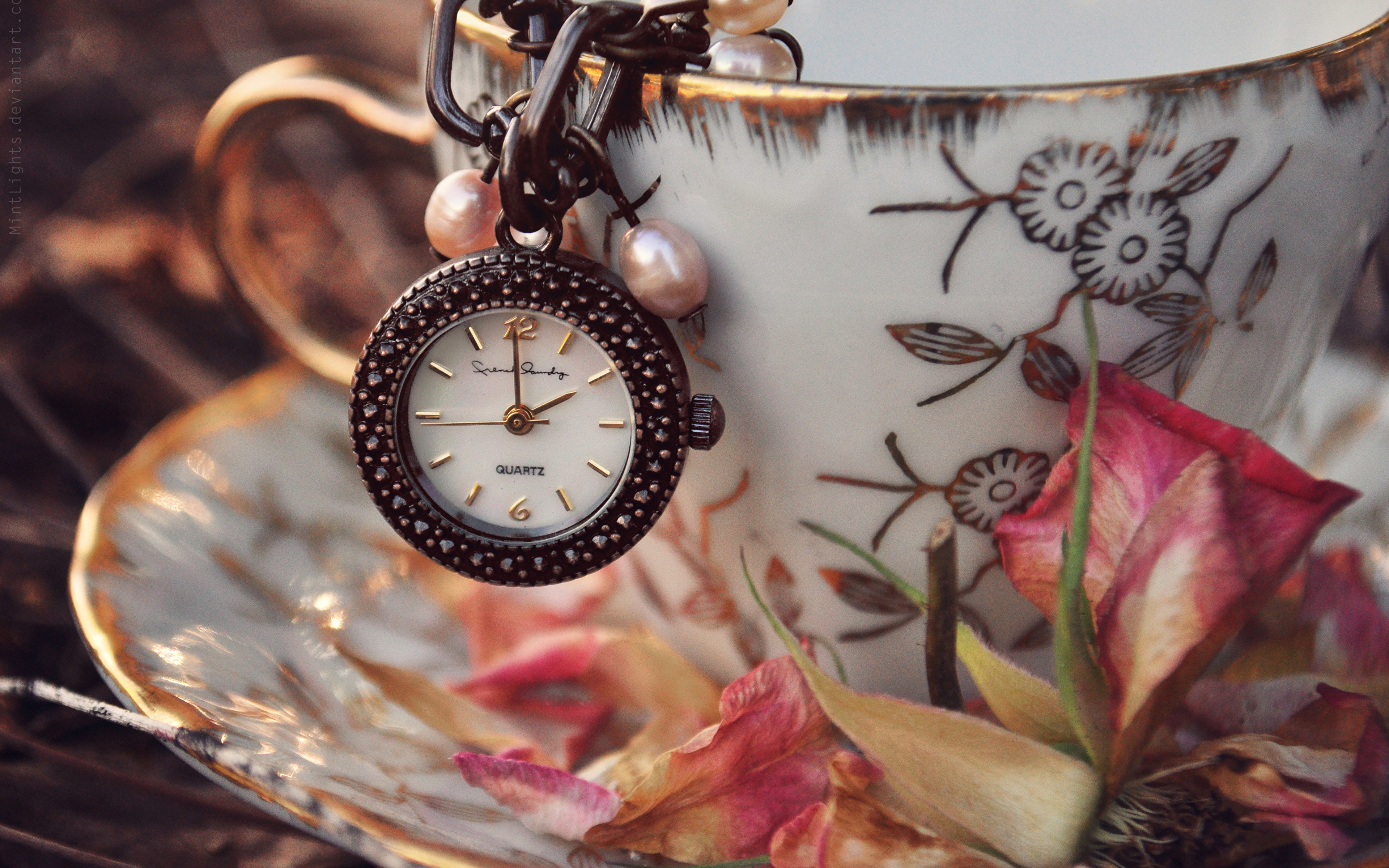 часы трава без смс