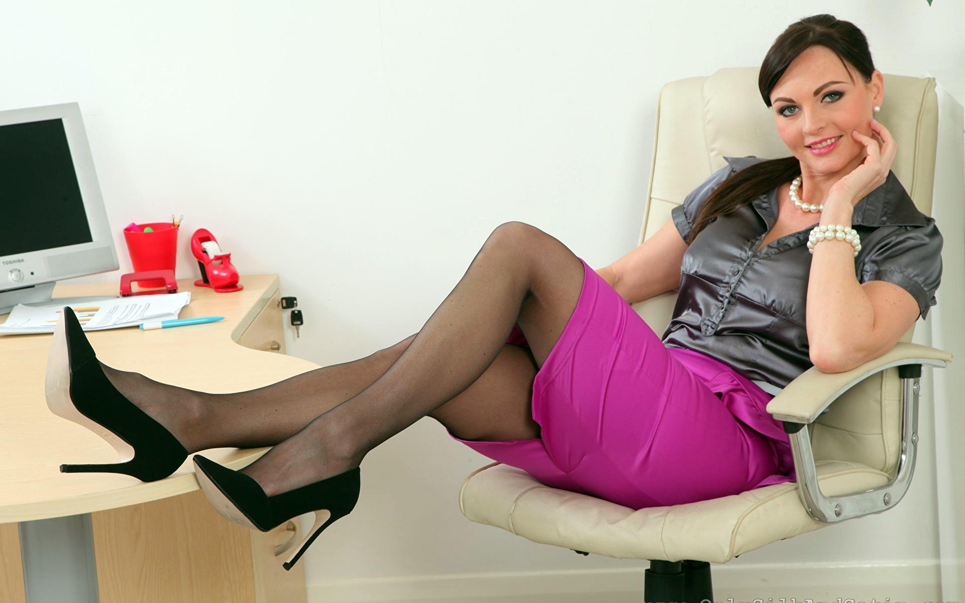 Секретарша в обтянутой юбке фото, Красивые секретарши на работе (100 фото) » Eroweek 11 фотография