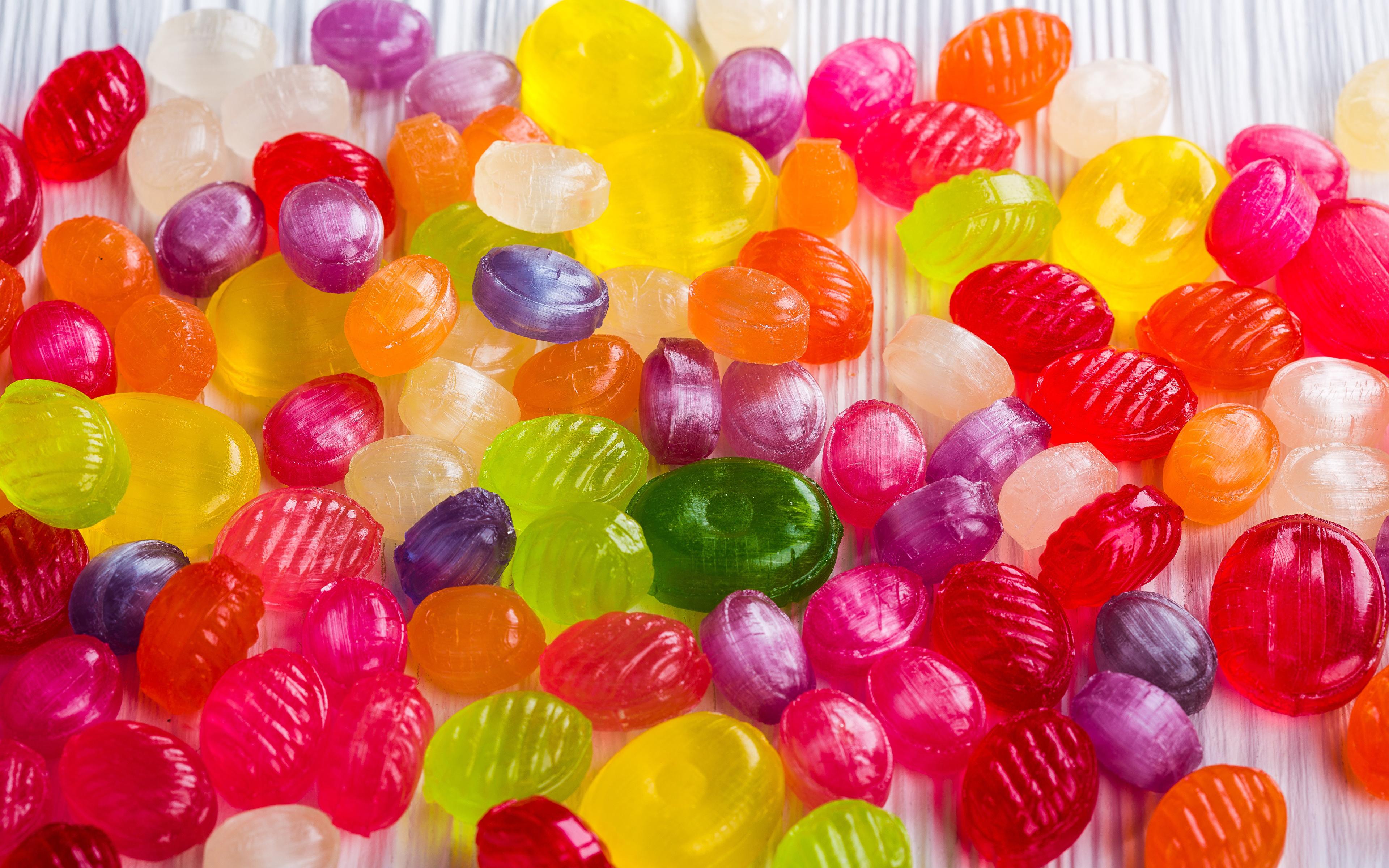 Картинка Разноцветные Конфеты Леденцы Еда Много Сладости 3840x2400 Пища Продукты питания сладкая еда