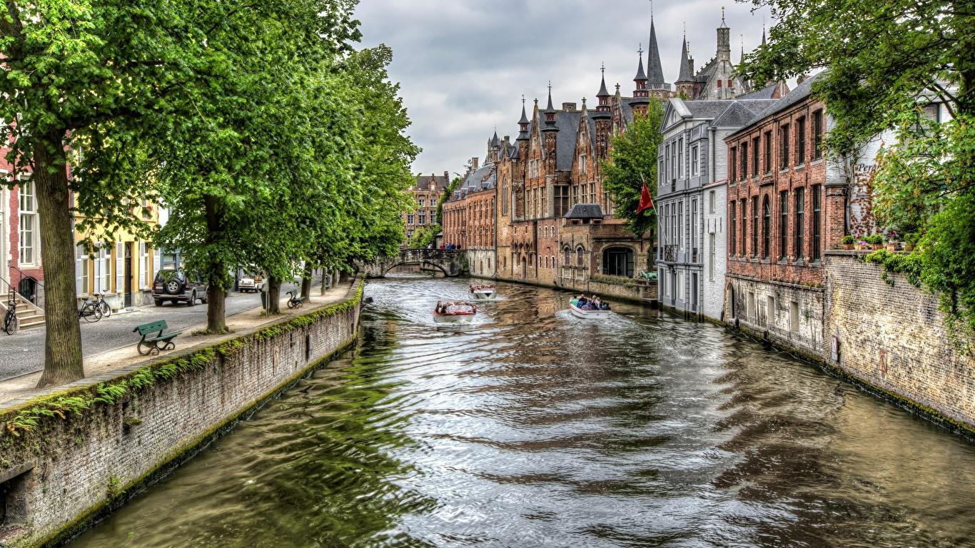 Картинки Города Бельгия дерева Брюгге HDR Здания Водный канал 1366x768 город дерево Деревья деревьев HDRI Дома