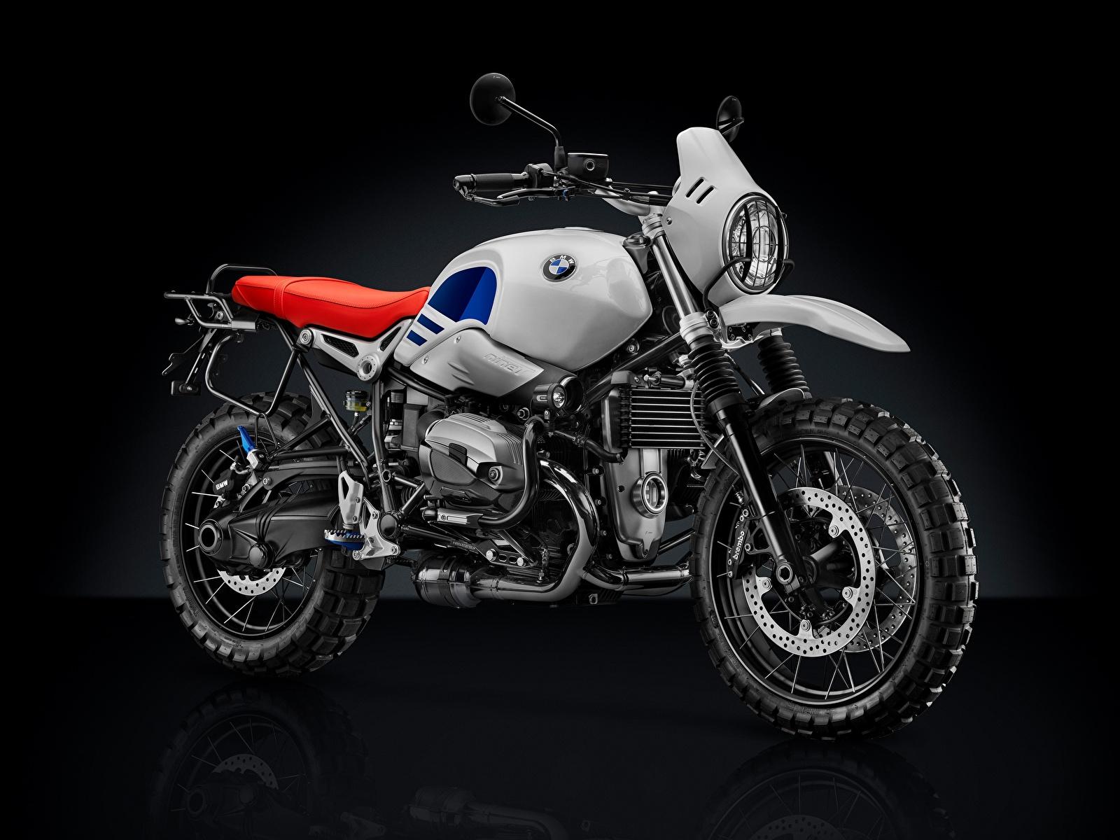 Обои для рабочего стола БМВ 2017-18 R nineT Urban G-S мотоцикл на черном фоне 1600x1200 BMW - Мотоциклы Мотоциклы Черный фон