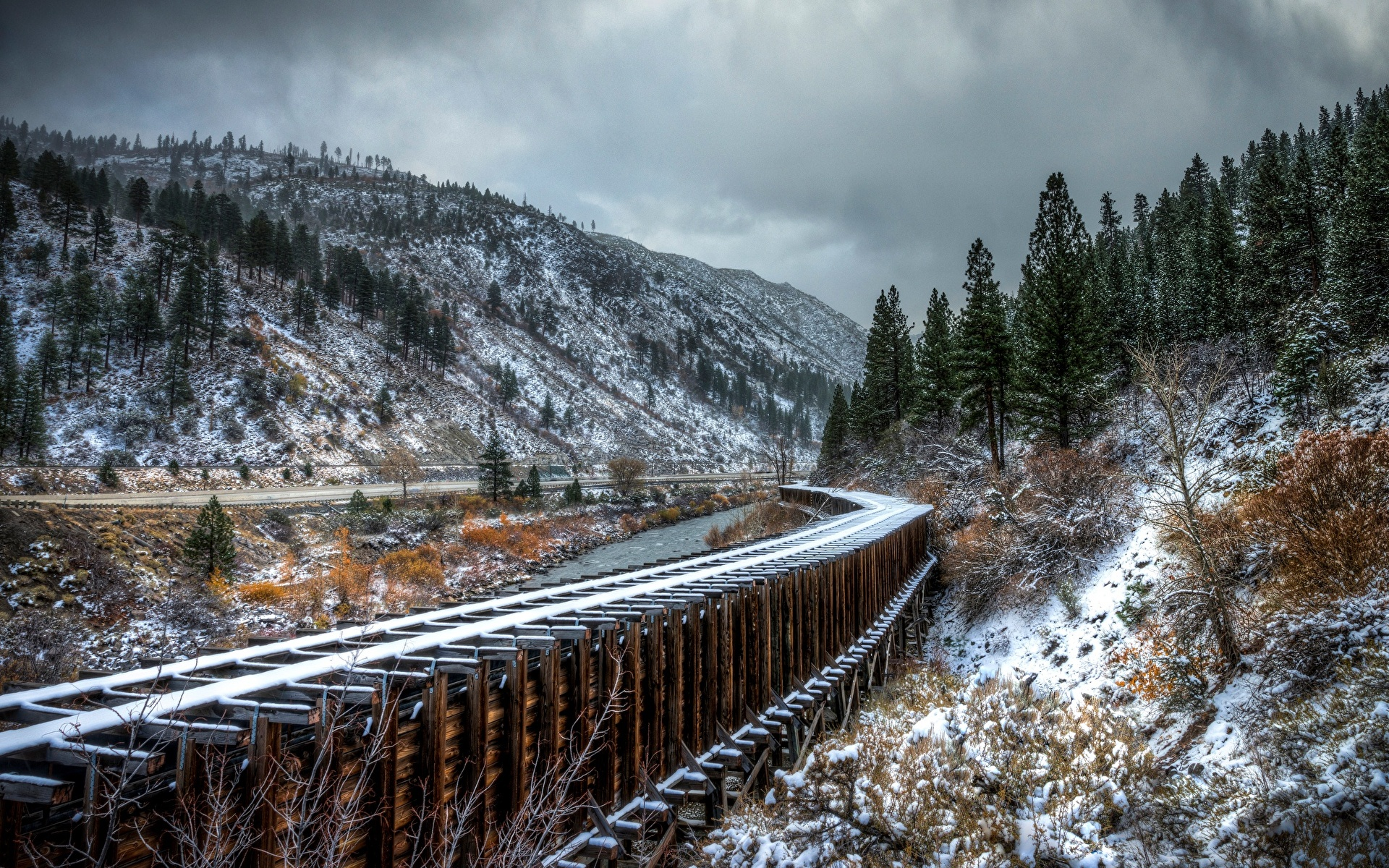 Картинки Горы Природа Снег Железные дороги 1920x1200 гора снега снегу снеге