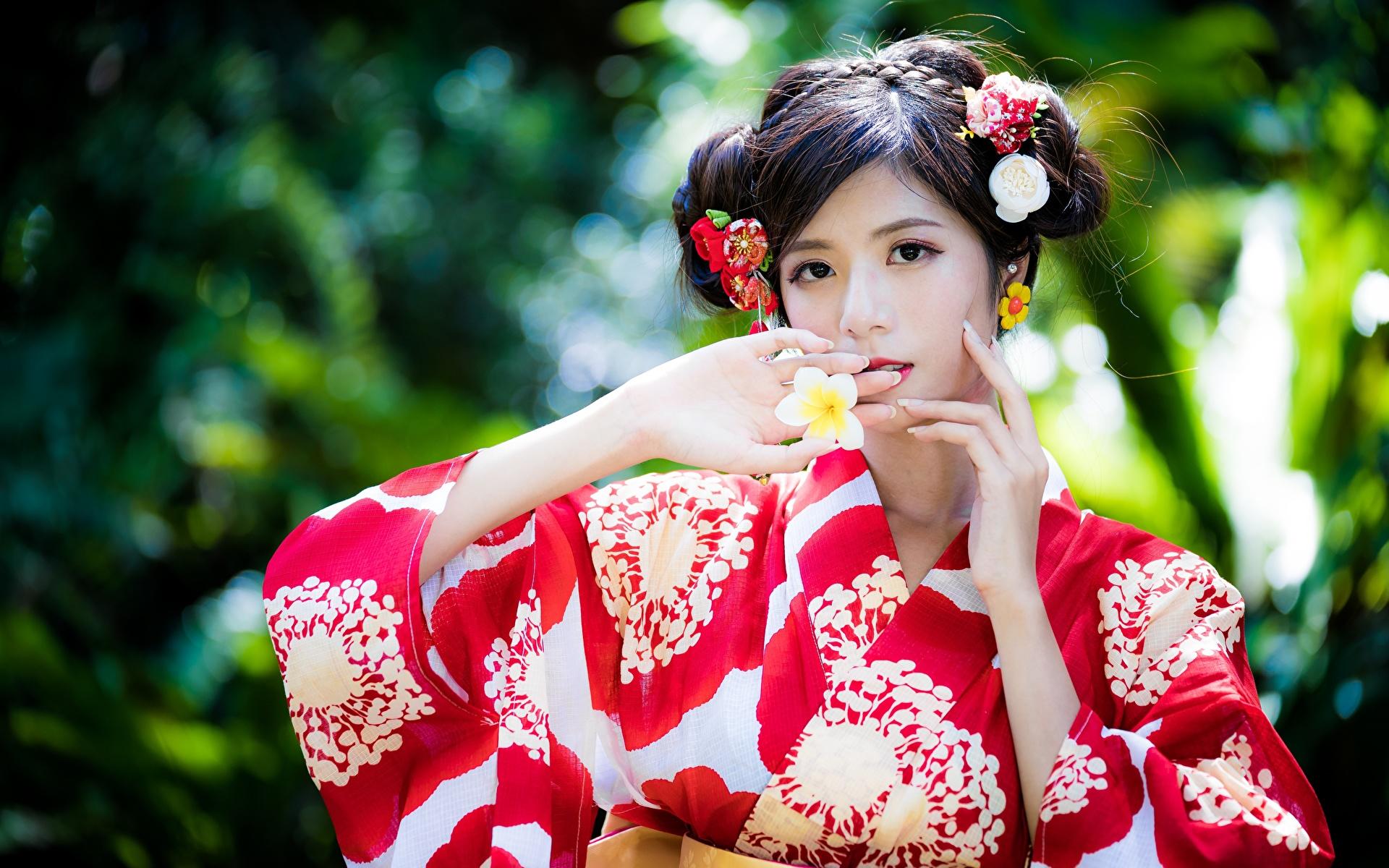 Фотография боке Кимоно молодые женщины азиатки Руки 1920x1200 Размытый фон девушка Девушки молодая женщина Азиаты азиатка рука