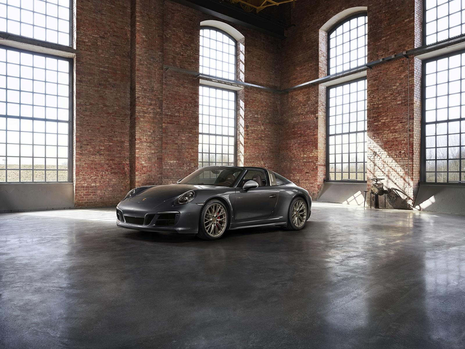 Картинки Porsche 4x4 Biturbo 911 Targa 4 GTS Exclusive Manufaktur Edition Родстер Серый Автомобили 1600x1200 Порше серые серая авто машина машины автомобиль