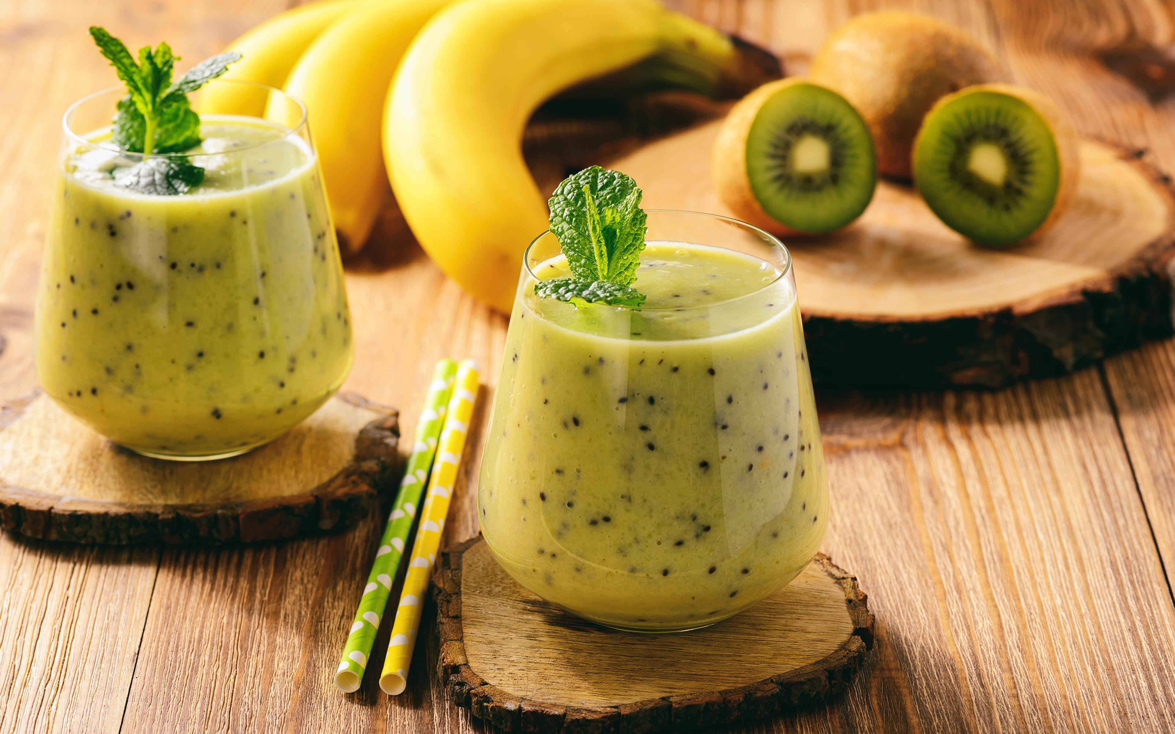 Фотография вдвоем Киви Бананы стакана Еда Коктейль Доски 3840x2400 2 два две Двое Стакан стакане Пища Продукты питания