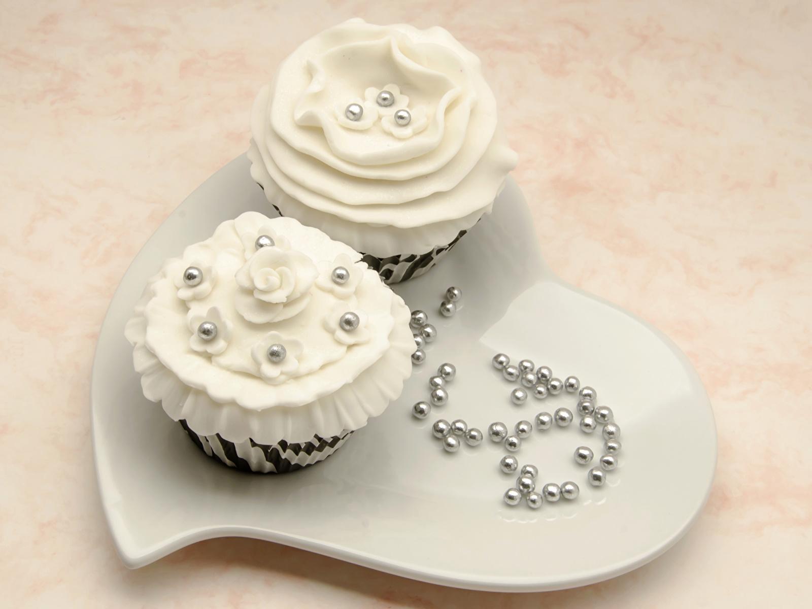 Картинка сердечко две Еда Пирожное сладкая еда 1600x1200 серце сердца Сердце 2 два Двое вдвоем Пища Продукты питания Сладости