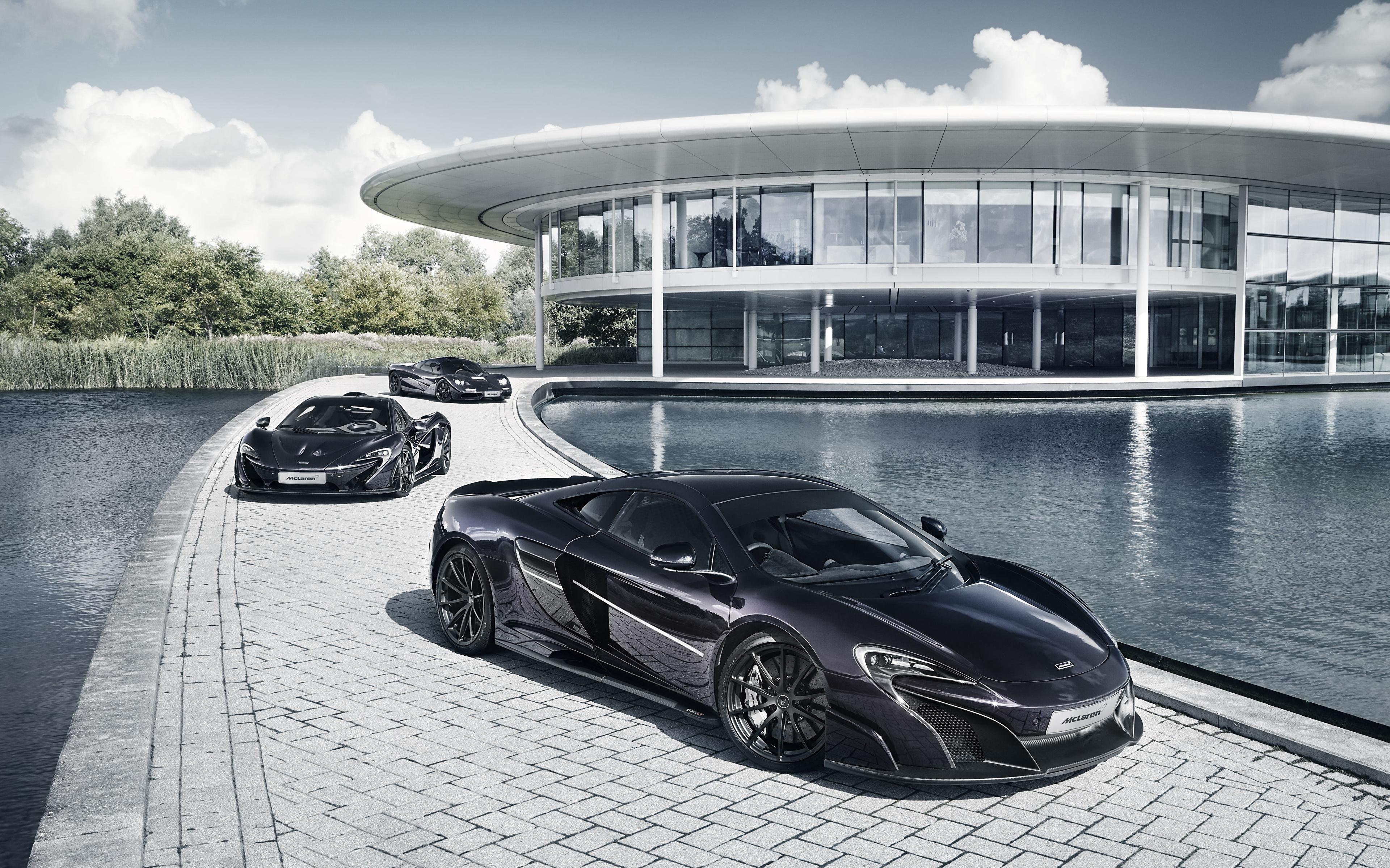 Обои для рабочего стола Макларен Черный Трое 3 Металлик Автомобили 3840x2400 McLaren черных черные черная три авто машина машины втроем автомобиль