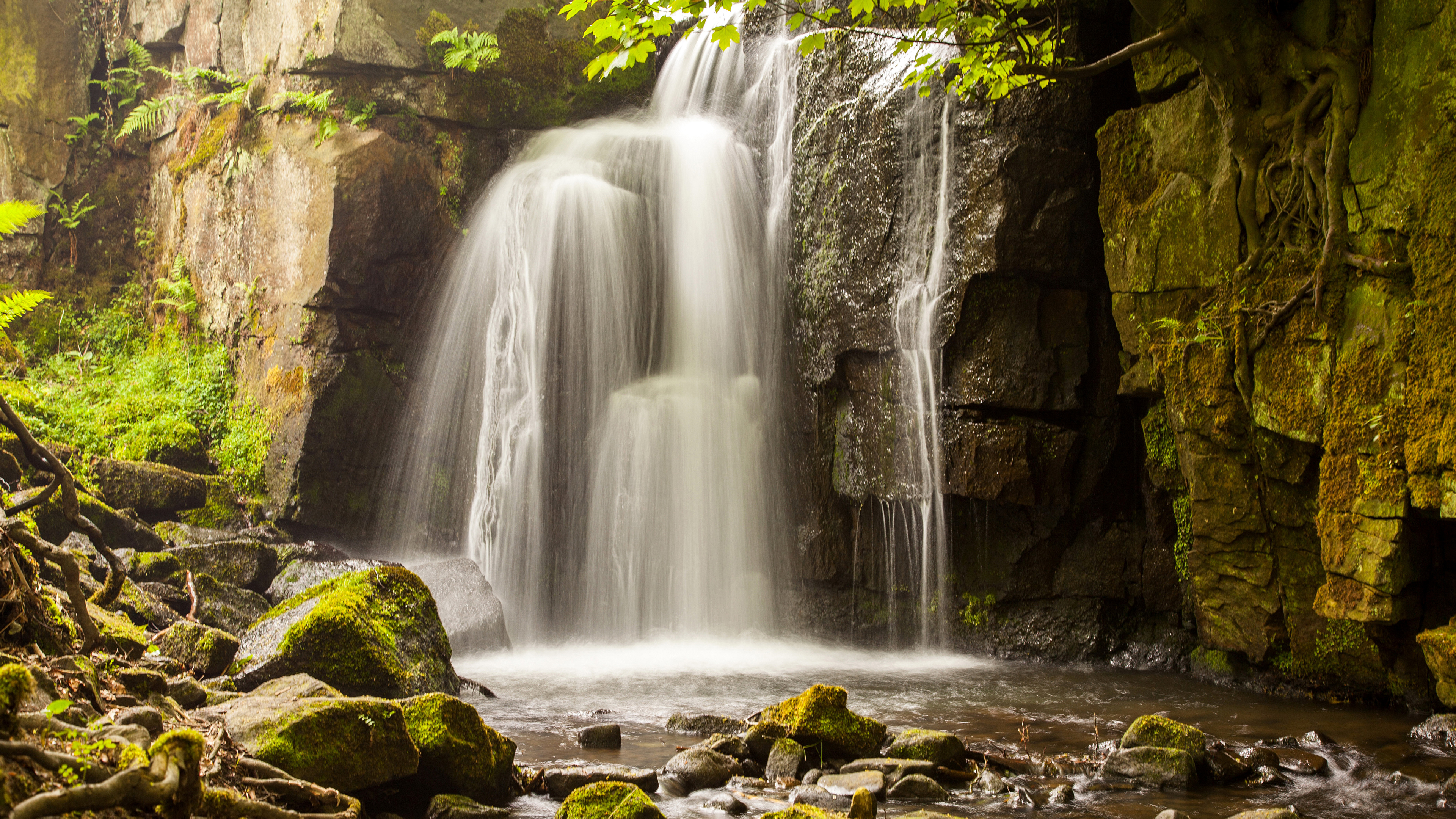 водопад осень вода брызги камни без смс