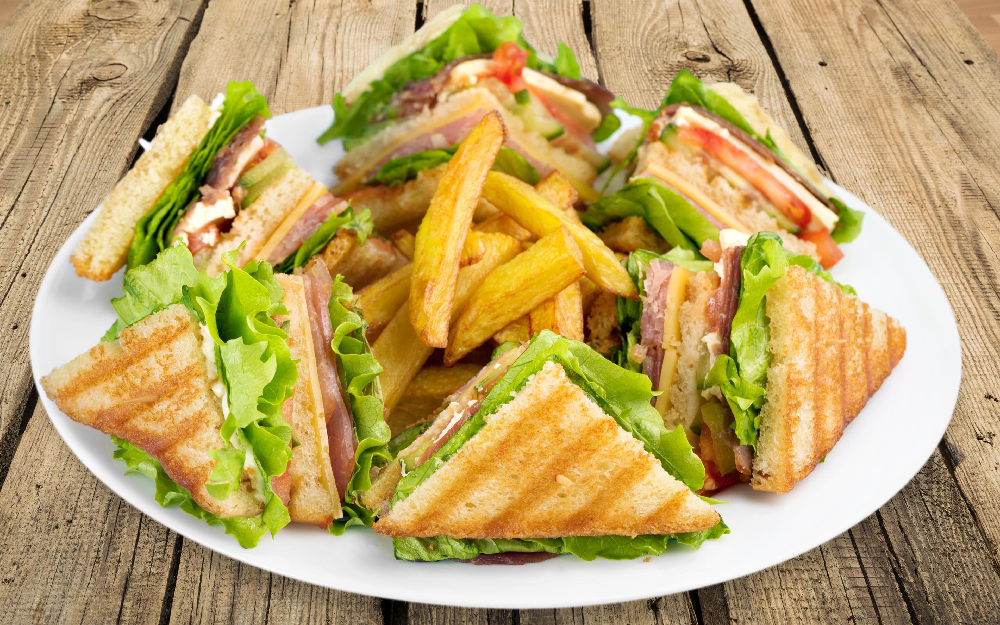 Обои для рабочего стола Сэндвич Картофель фри Еда Тарелка Доски 3840x2400 Пища тарелке Продукты питания