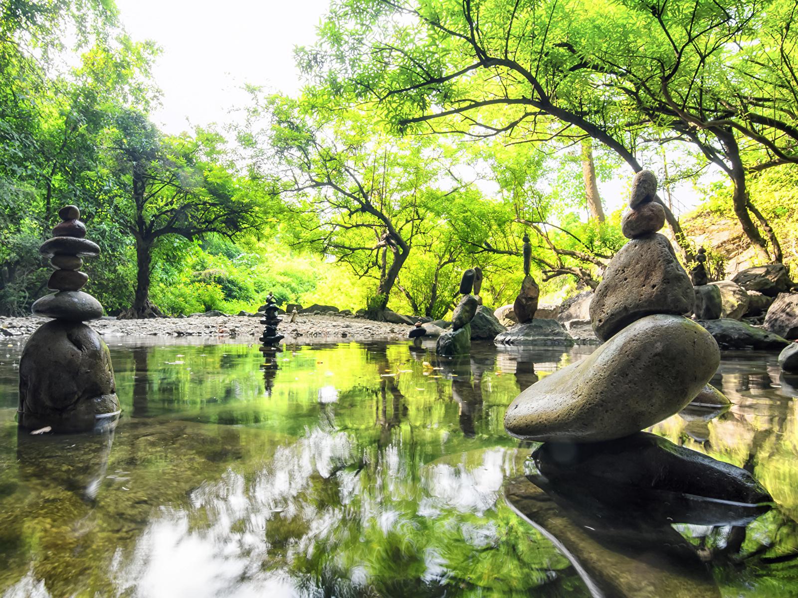 Картинка Природа весенние Пруд Парки Камни скульптура 1600x1200 Весна парк Камень Скульптуры